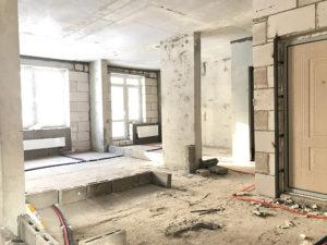 На фото видно план зонирования жилья, выложены блоки. Лоджию планируем утеплить и поставить новые стеклопакеты.